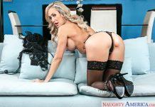 Brandi Love in Cougar Seduction VR Porn